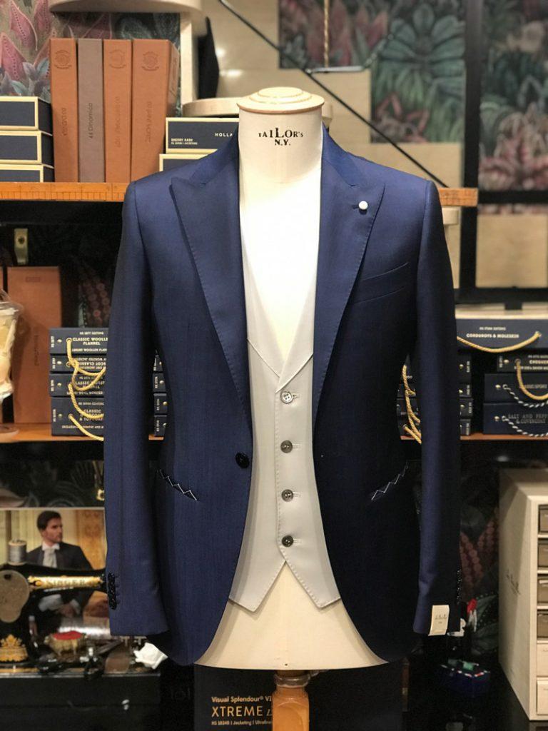 dettagli giacca cerimonia